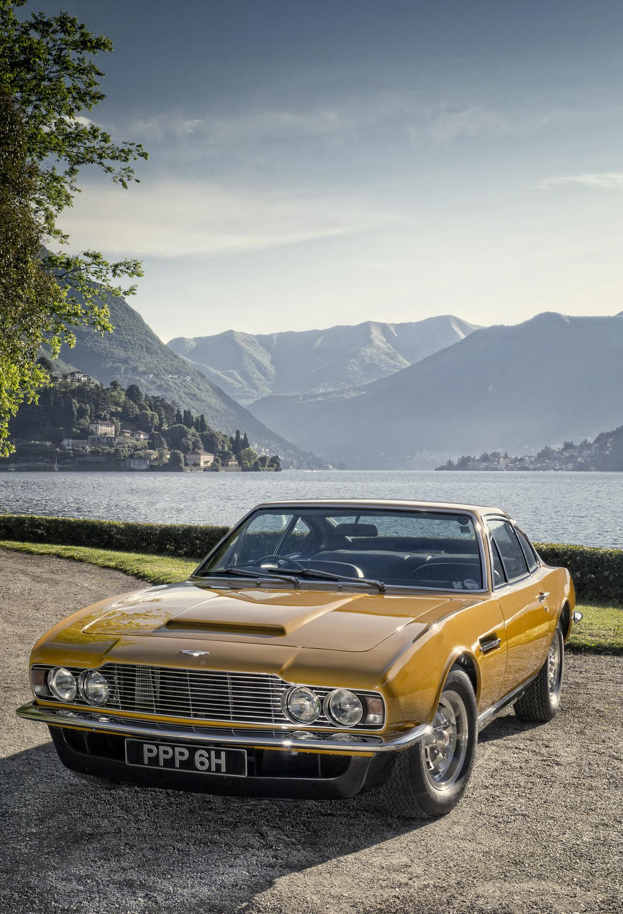 roger moore 39 s 1970 aston martin dbs sells. Black Bedroom Furniture Sets. Home Design Ideas